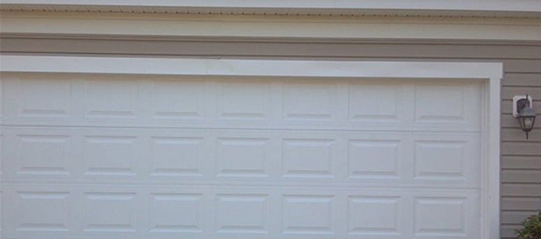 Vinyl Garage Doors in Sterling Heights